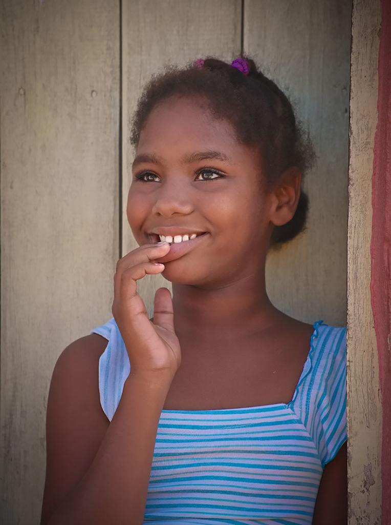 Schoolgirl, Trinidad, Cuba(2)